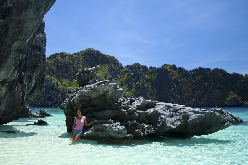 palawan beach scene